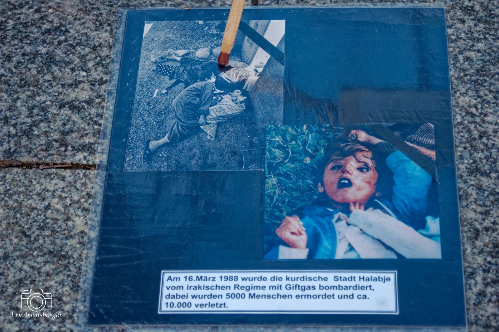 Bilder der Opfer des Giftgasmassakers<br /> 2021-03-16 - Berlin -Gedenken an Halabadje